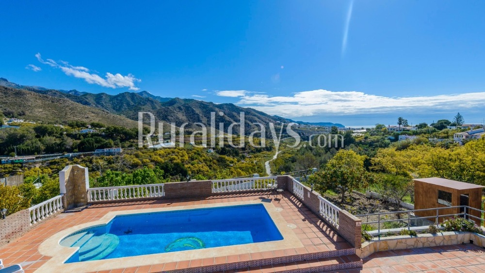 Self-catering holiday villa for six people in Nerja (Malaga)