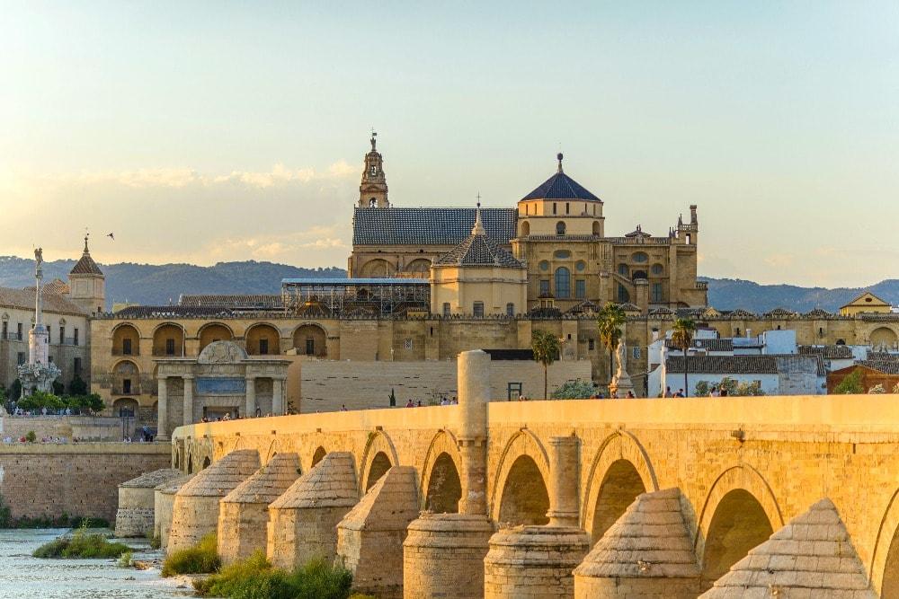 Puente Romano und die Moschee von Cordoba - Andalusien in 14 Tagen