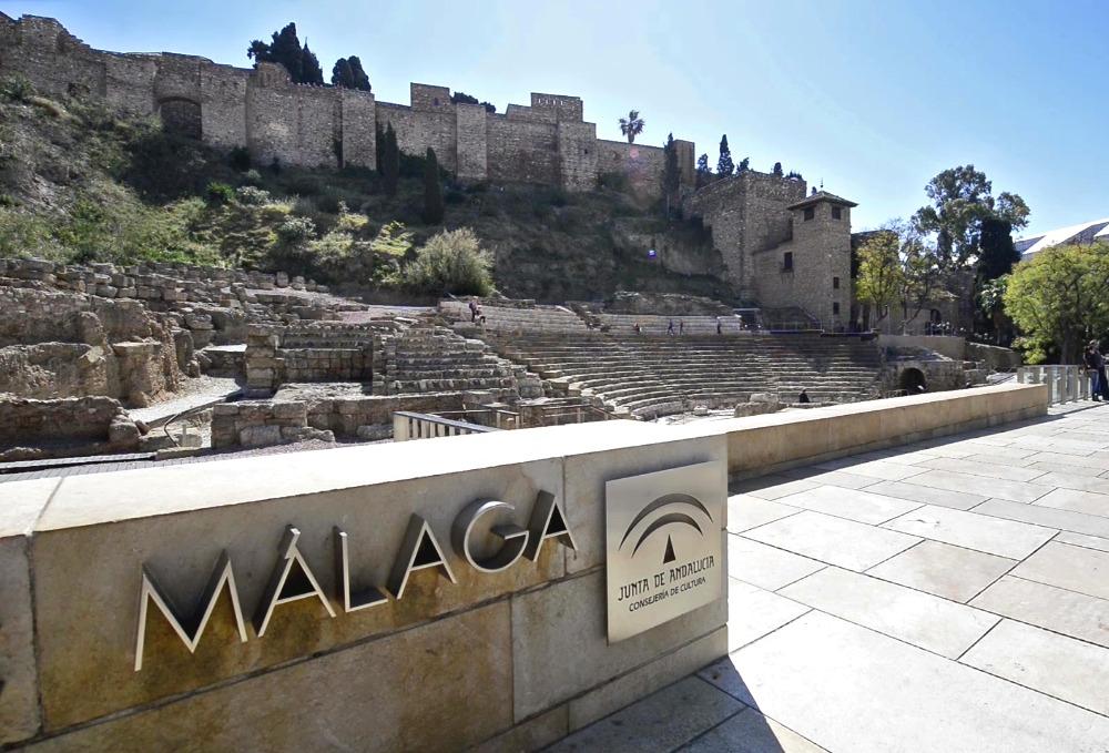 Alcazaba y Teatro Romano desde la plaza
