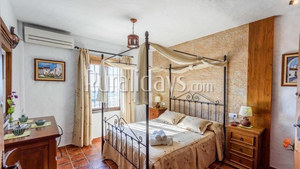 Indruwekkend vakantiehuis voor Valentijnsdag in Frigiliana - MAL1894