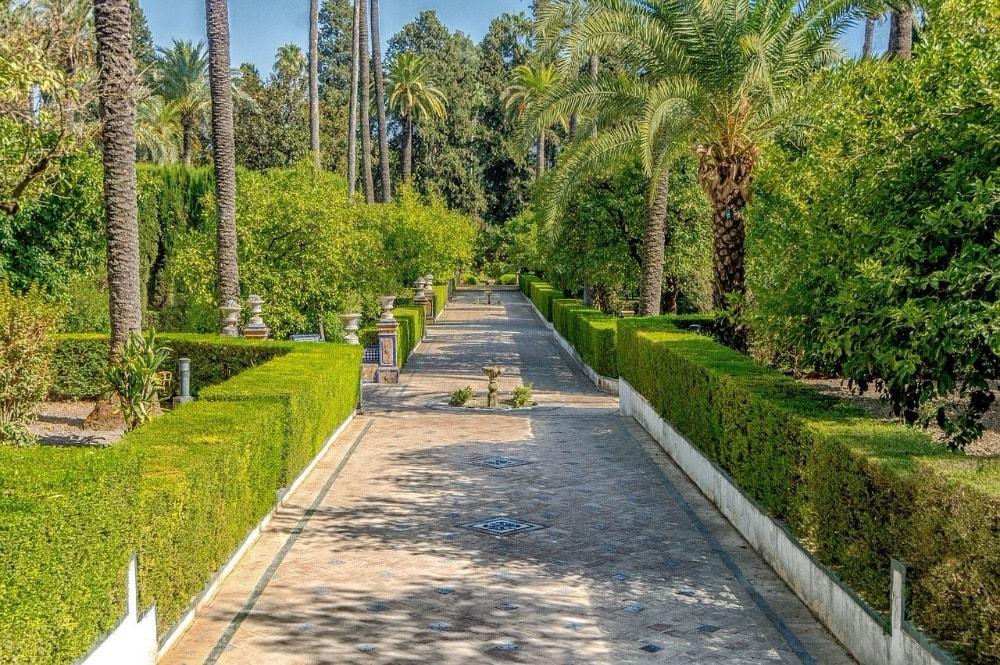 Gärten in der Real Alcazar in Sevilla