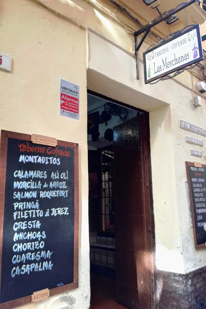 Las Merchanas in calle Mosquera - Essen in Malaga in der Karwoche
