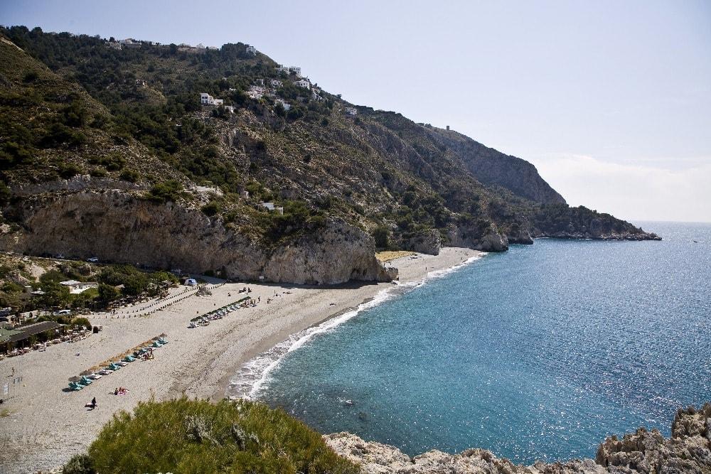 Playa nudista de Cantarriján en Almuñécar (Granada)