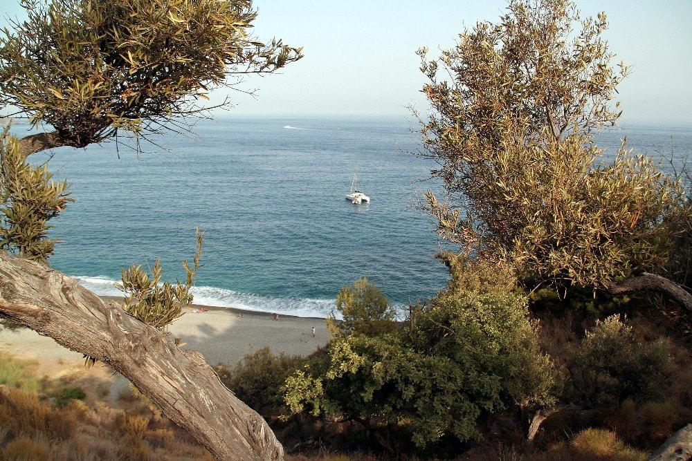 Playa nudista de El Muerto en Almuñécar (Granada)