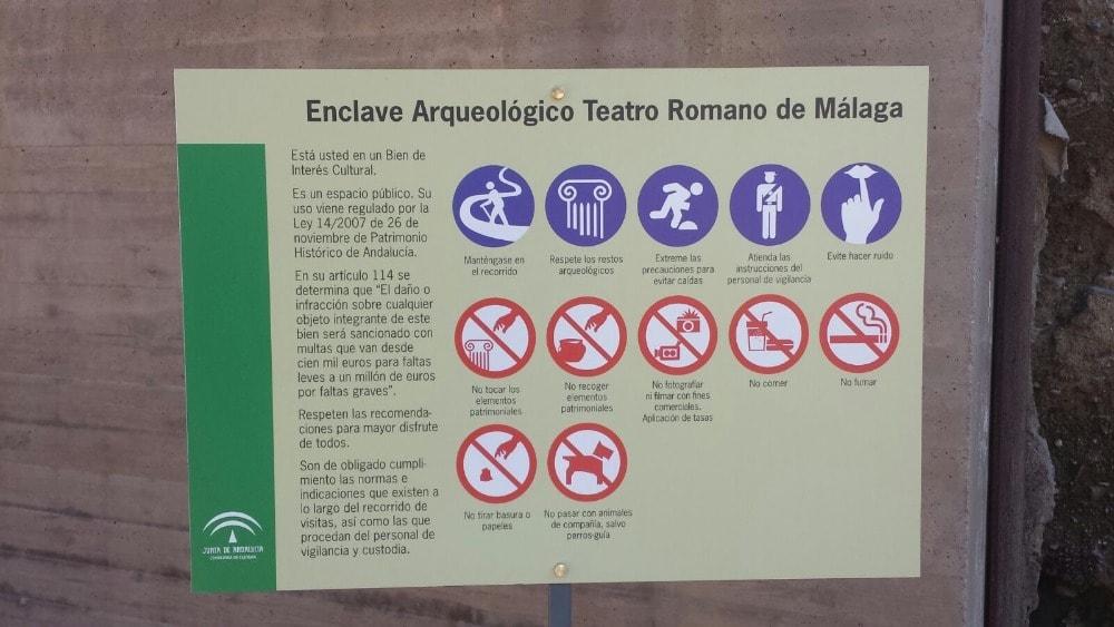 Regels in het Romeinse theater in Malaga