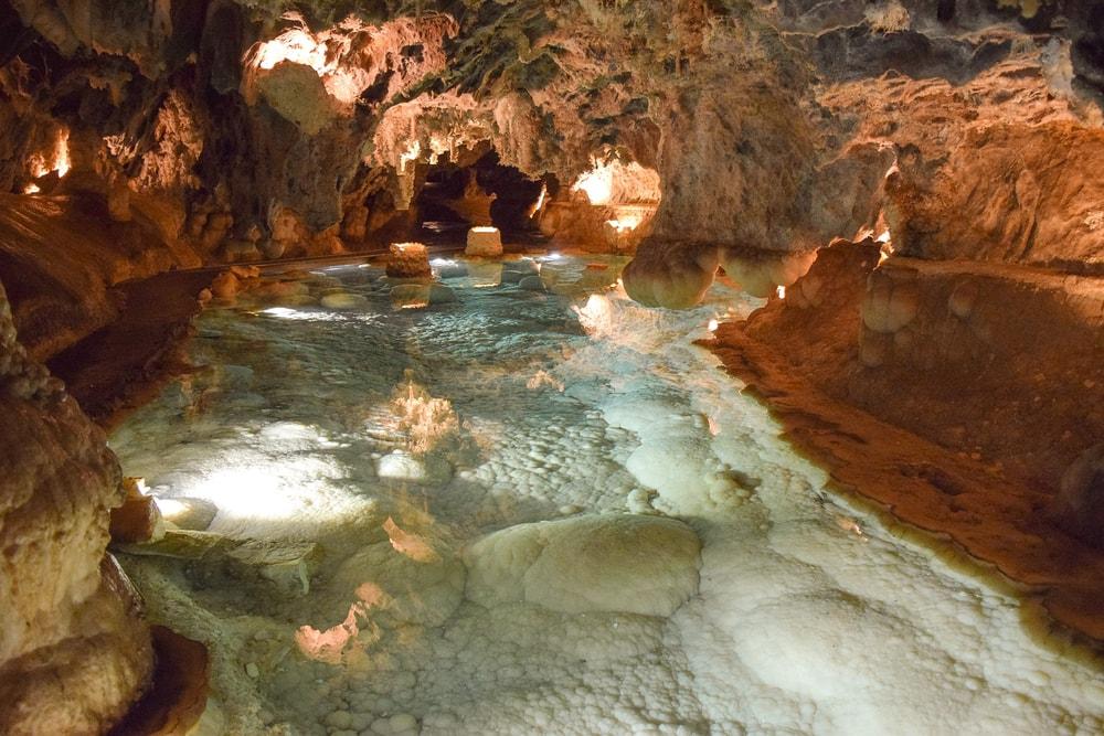Gruta de las Maravillas en Aracena - lago subterráneo
