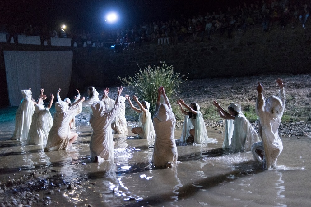 Legende von Encantá während der Nacht von San Juan in Almedinilla (Cordoba)
