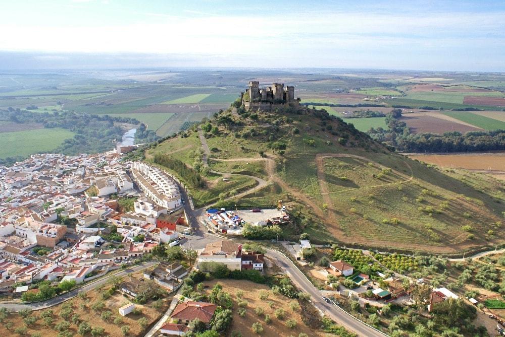 Luftaufnahme von Almódovar del Río