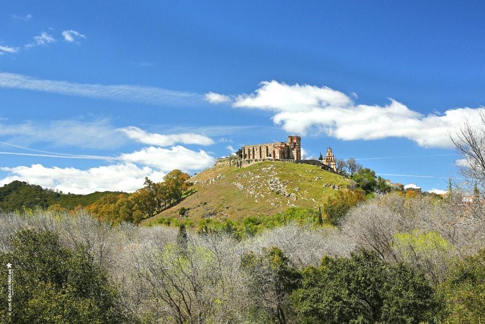 Schloss und Kirche von Nuestra Señora del Mayor Dolor in Aracena