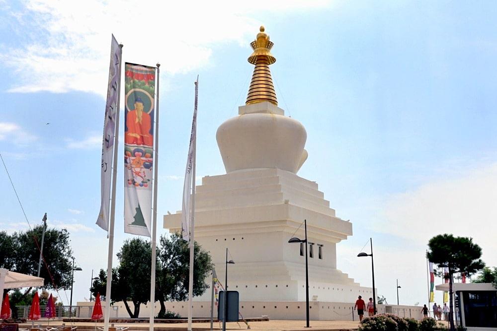 Stupa de Iluminación - Stupa d'illumination de Benalmadena