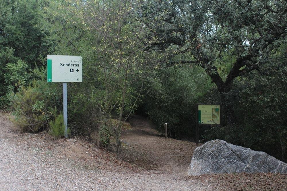 Toegang tot het route van Las Herrerías in de Sierra de Hornachuelos - Rincones del Valle