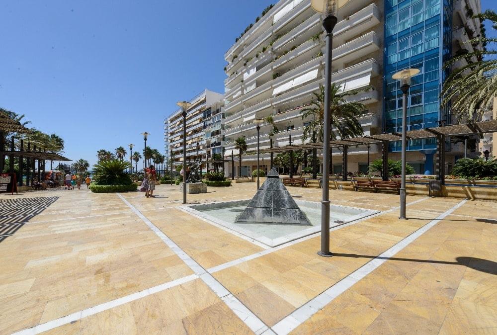 Beeldhouwwerken in de Avenida del Mar in Marbella