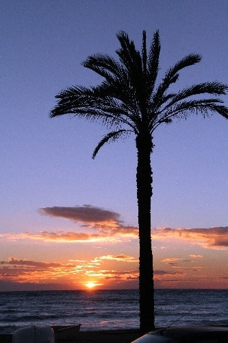 Zonsondergang op het strand van la Herradura, in Almuñécar