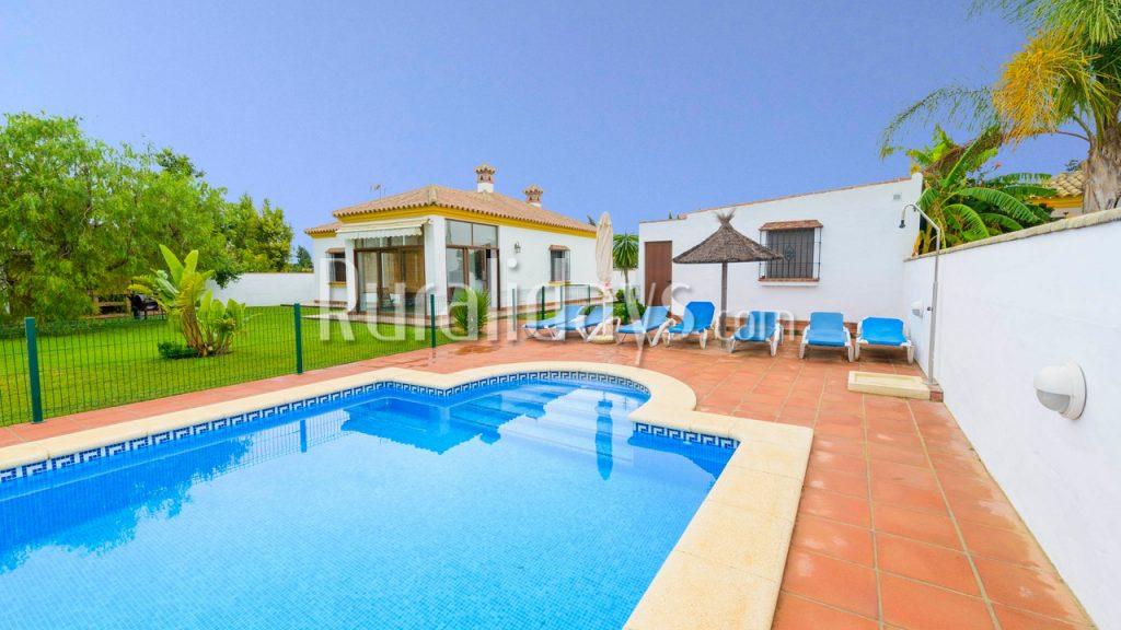 Acogedora villa con piscina privada en Conil de la Frontera - CAD1220