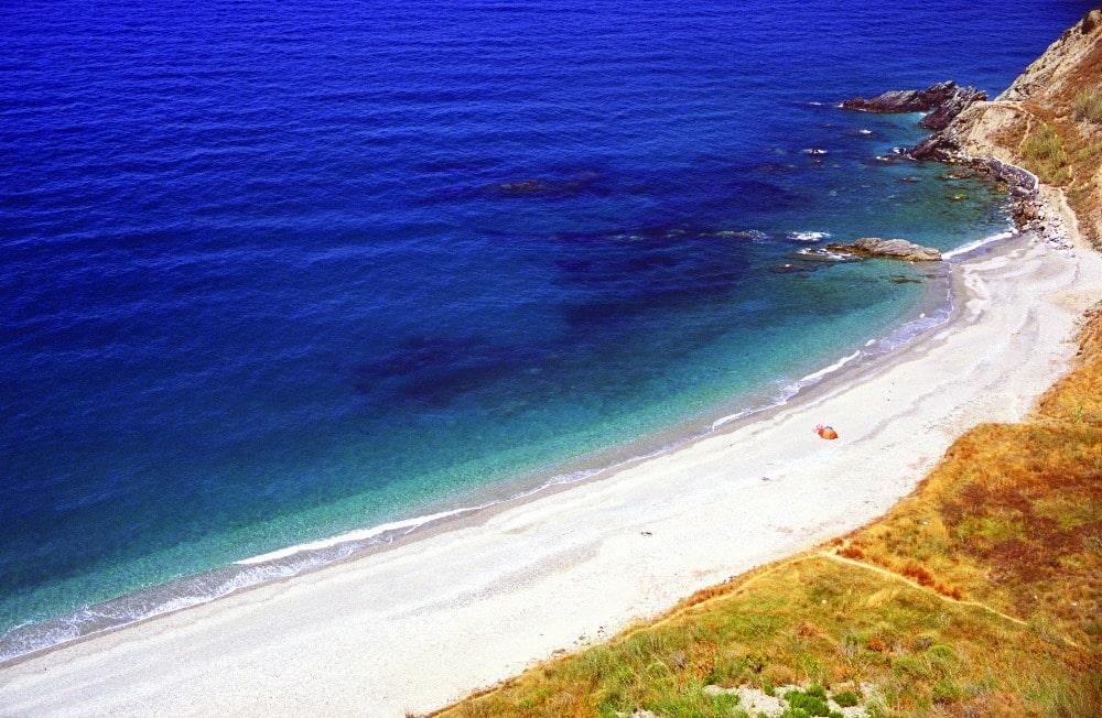 Playa nudista Cala del Pino en Nerja(Málaga)