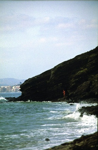 Playa nudista de Benalnatura en Benalmádena (Málaga)