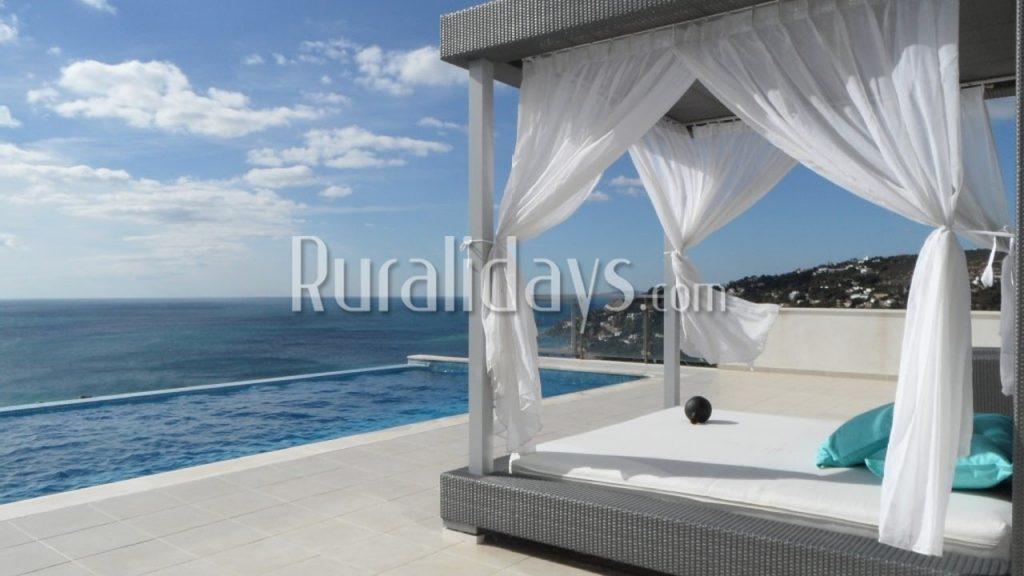Villa de lujo frente al mar en Zahara de los Atunes - CAD1356