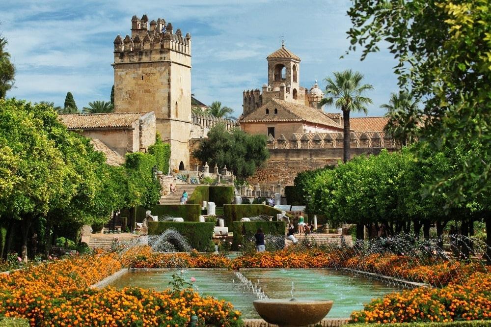 Avril à Cordoue - jardins dans l'Alcazar de los Reyes Cristianos