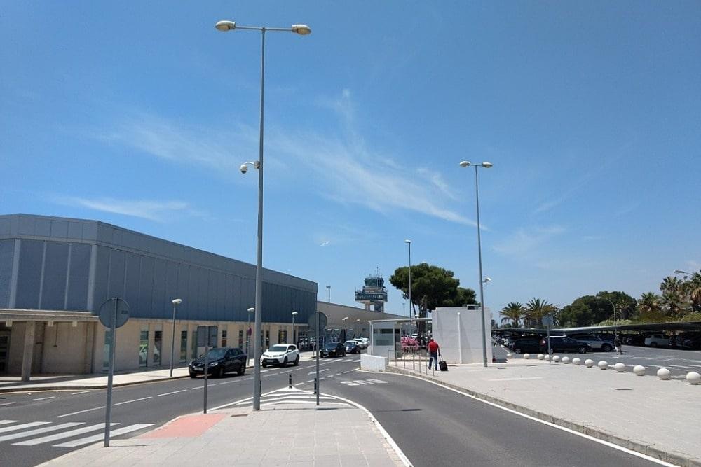Vliegveld van Almeria - van buitenaf gezien