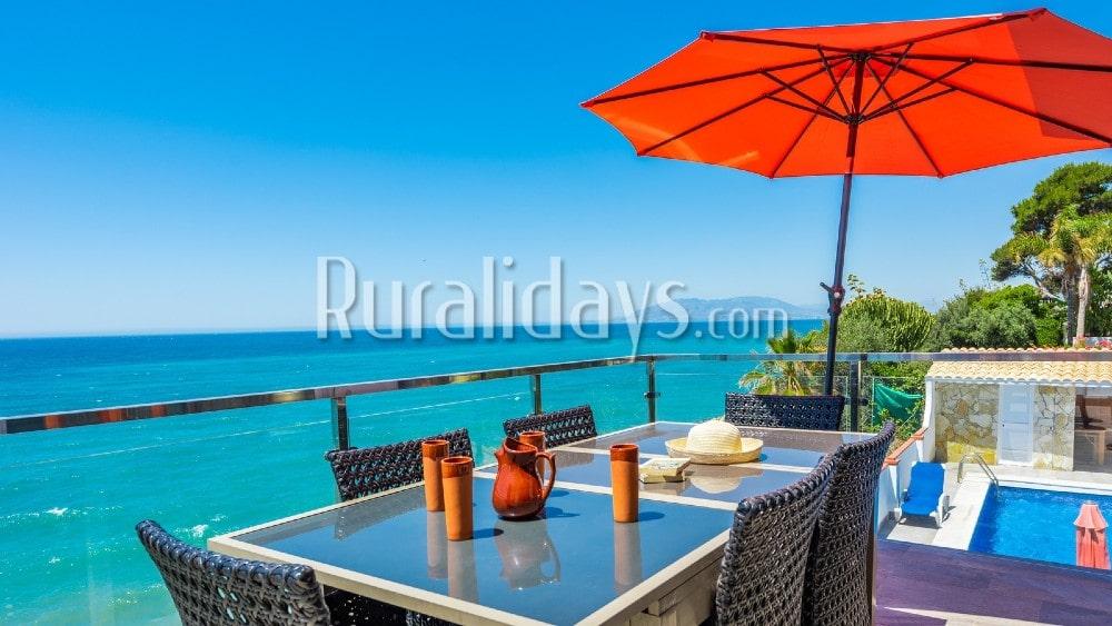 Casa de vacaciones en primera línea de playa en Rincón de la Victoria - MAL3029
