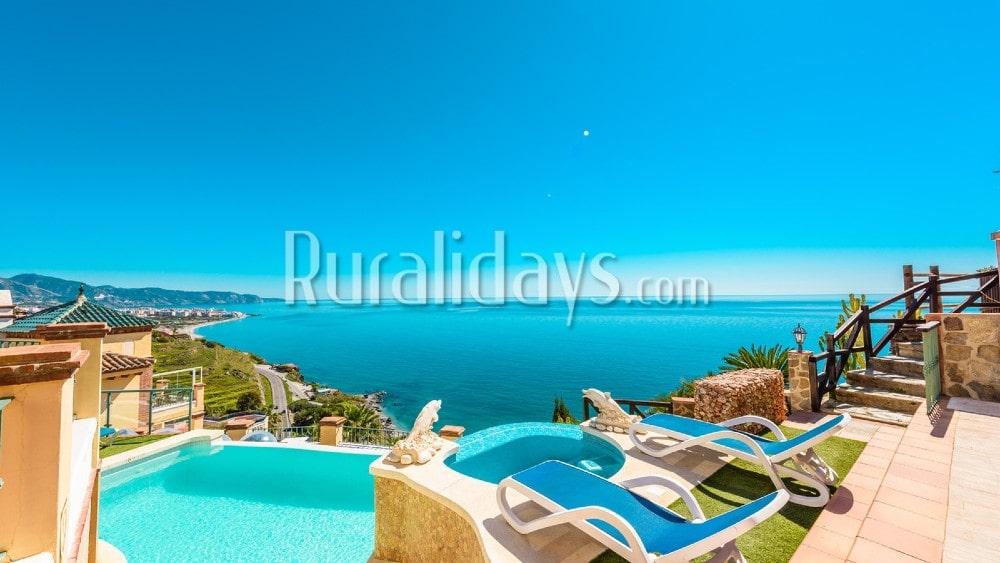Fabulous holiday home with views that will leave you breathless near Nerja - MAL1977