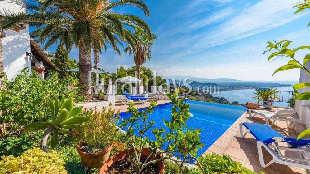 Villa avec piscine à débordement et vues magnifiques sur la côte tropicale à Salobreña - GRA2095