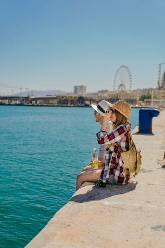 Touristes à Malaga en été